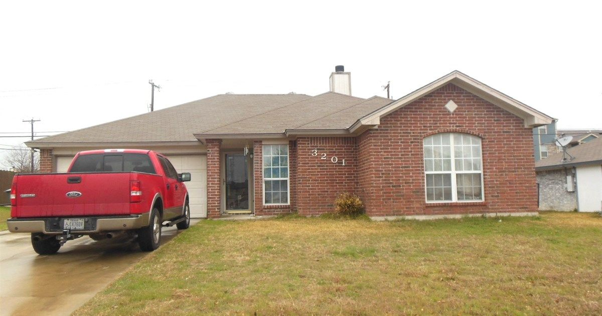 3201 Levy Killeen Tx 76542 4 Beds 2 Baths 1378 Sq Ft For More Information Contact Karen Doerbaum Lone Star Rental Property Property Property Management