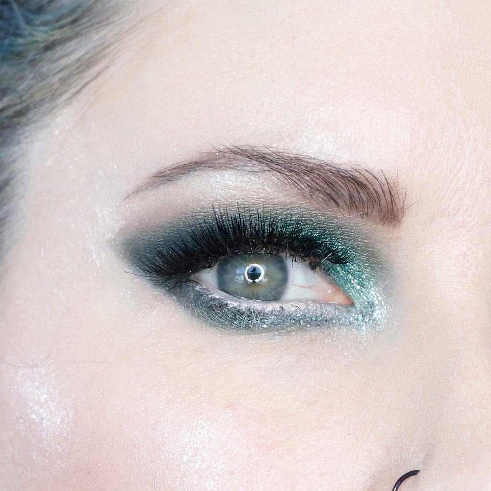 Melt Smoke Sessions Tutorial Green eyeshadow look