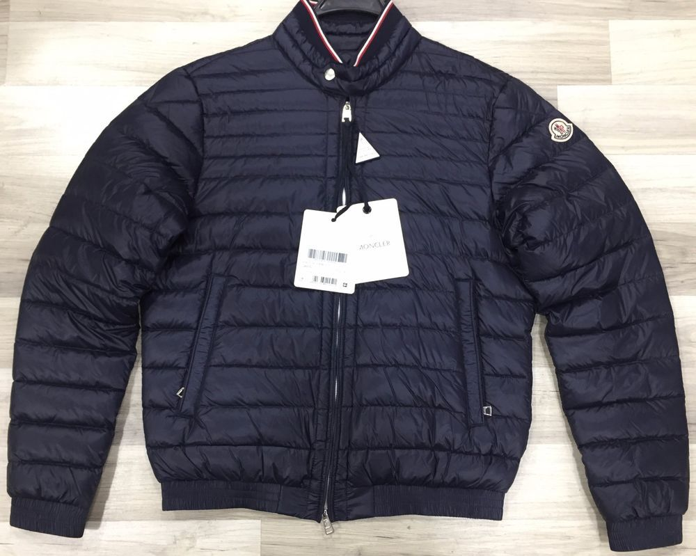 Men's Navy Authentic Moncler Garin Down Jacket Size L