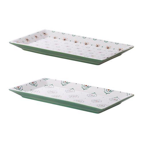 DUKNING Assiette IKEA Une vaisselle unique avec des motifs, des détails et des reliefs qui évoquent la tradition et l'artisanat.