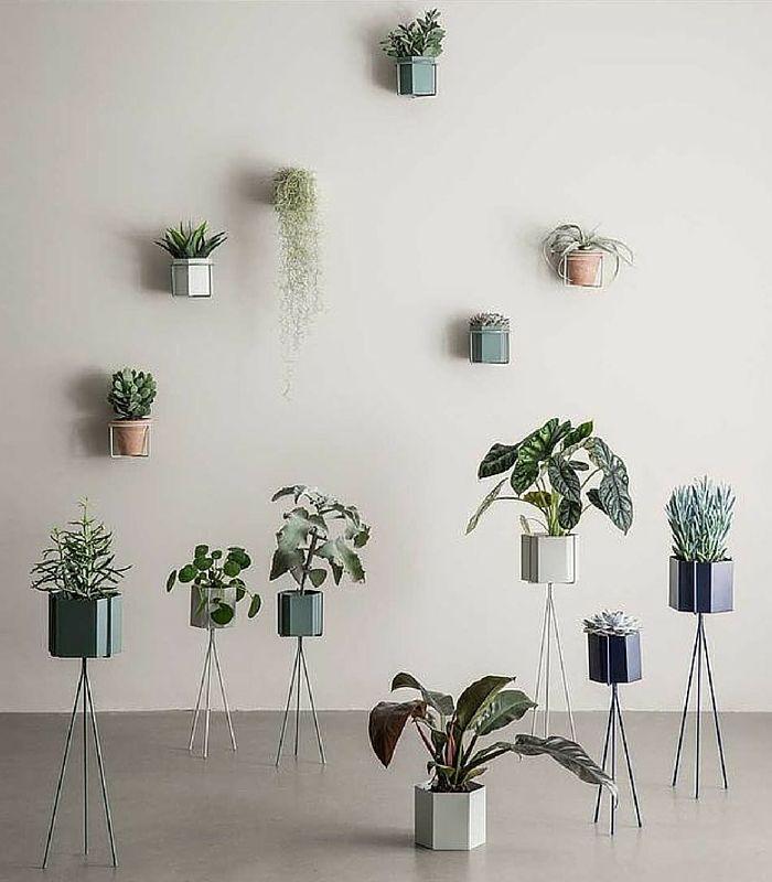support mural de pot de fleur noir objets d co decoration maroc chez pastel. Black Bedroom Furniture Sets. Home Design Ideas