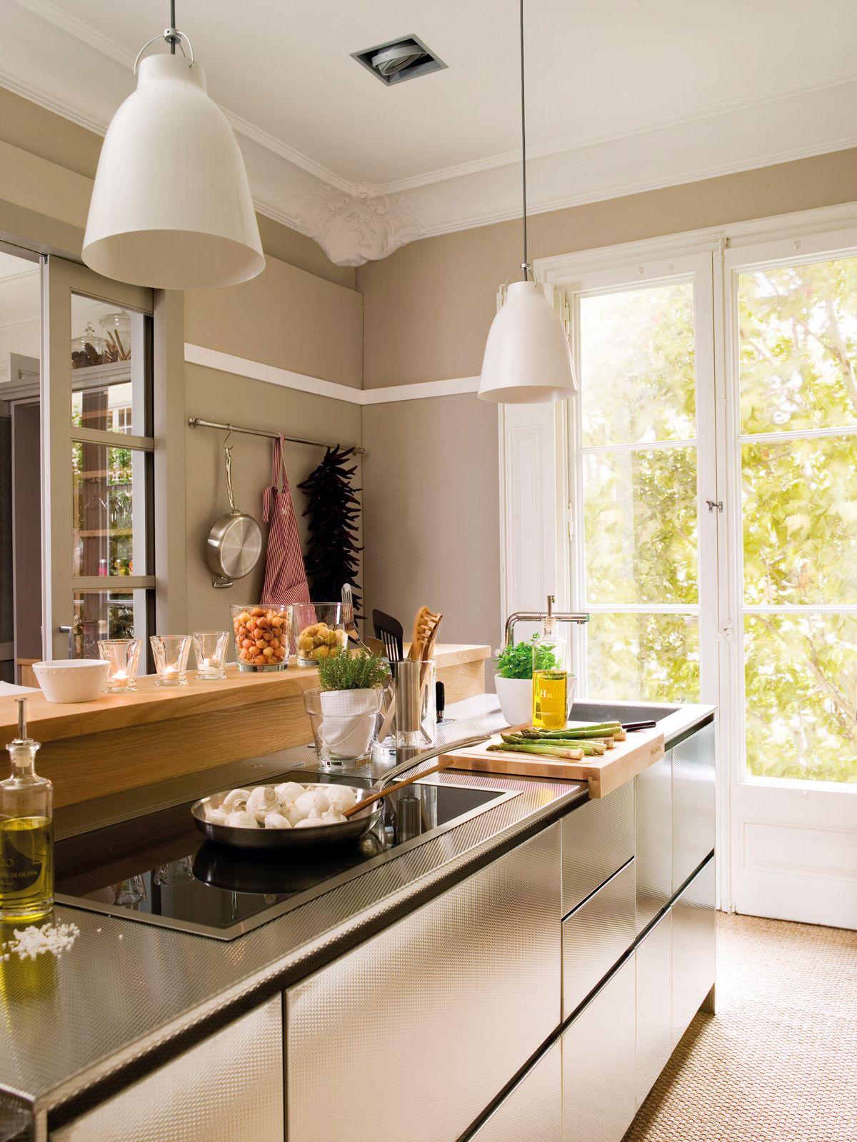 Cocina-con-isla-y-encimera-de-acero-inox 00357166 | Кухни | Pinterest