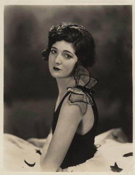 Merna Kennedy (1908-1944)