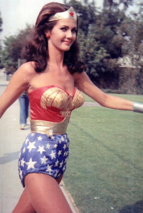 Wonder woman in batman vs superman actress-5082