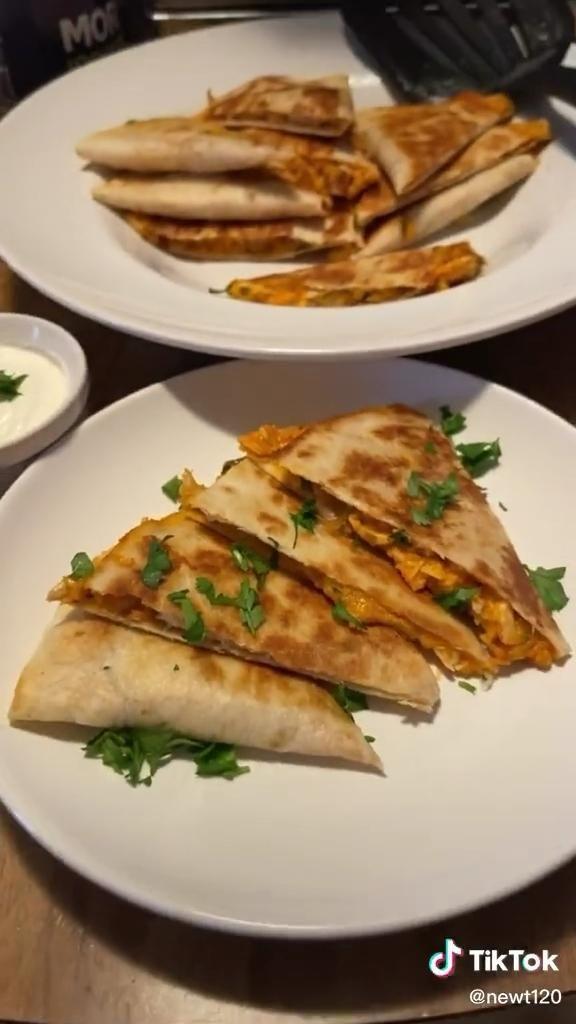 Taco Quesadilla Tiktok Tortilla Hack Recipe In 2021 Quesadilla Mexican Food Recipes Tacos