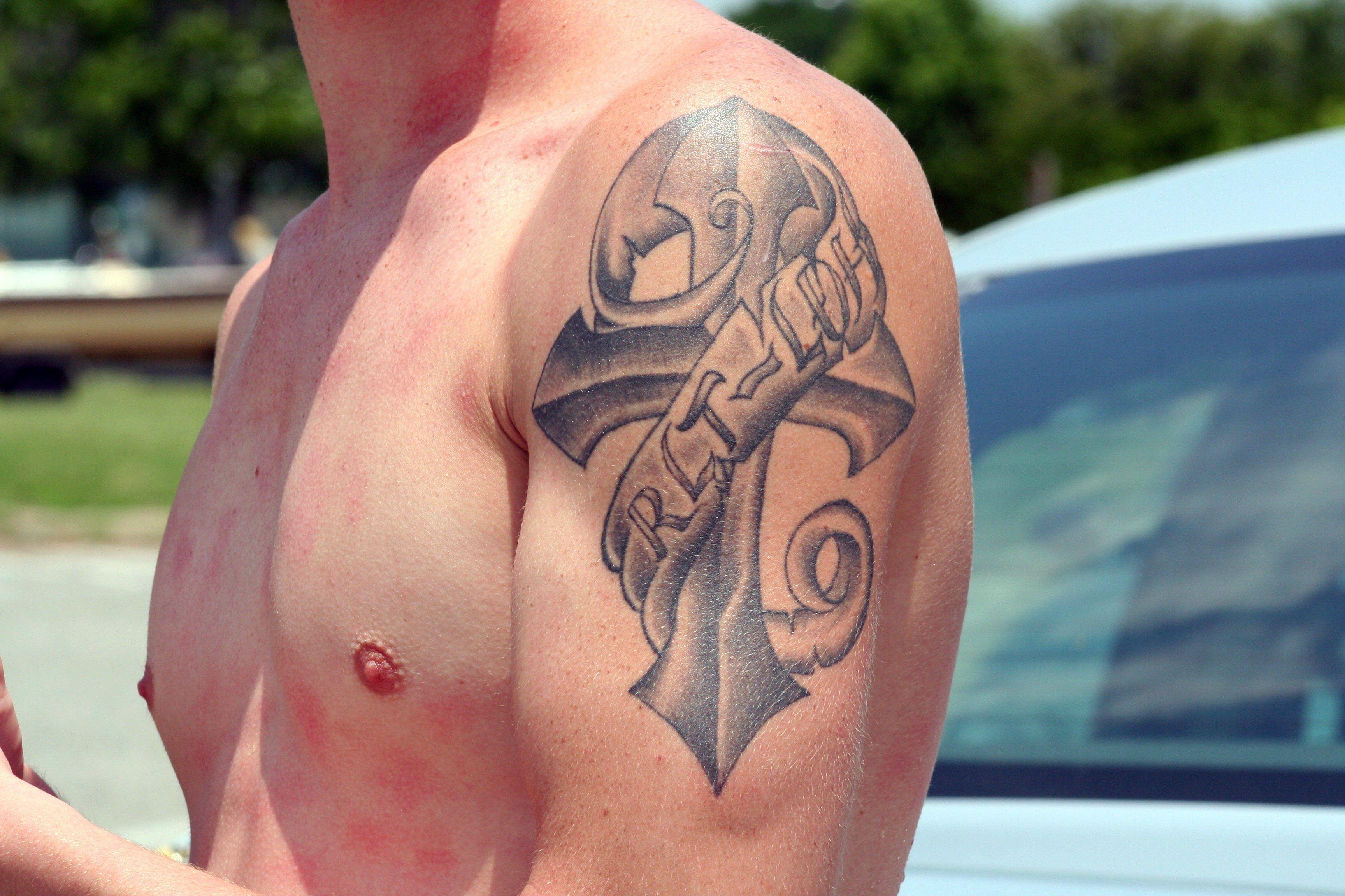 File First Tattoo 3593353968 Jpg Wikimedia Commons Good First Tattoos First Tattoo Tattoos