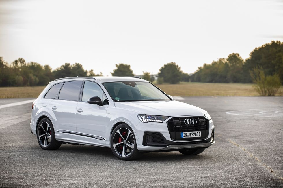 Audi Q7 Adds Plug In Hybrid Model With Up To 449 Hp Audi Q7 Audi Vw Volkswagen