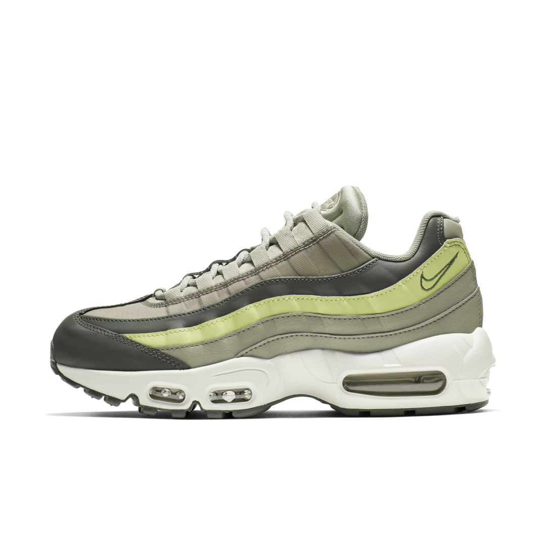 buy popular 1609f 8882c Air Max 95 Women's Shoe in 2019   Products   Air max 95 ...