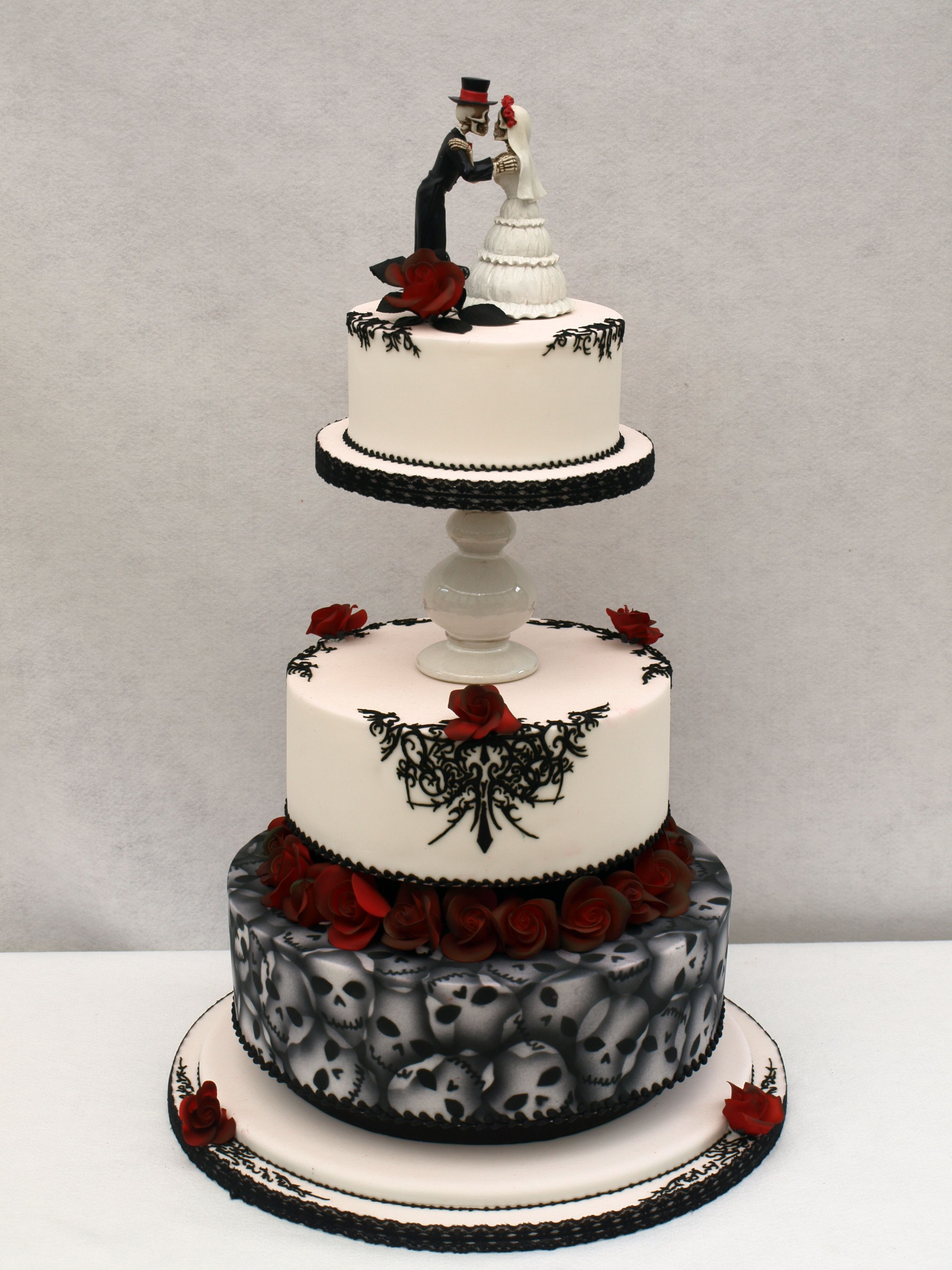 gothic wedding cakes pictures 40 wedding cakes that are spooky 14882