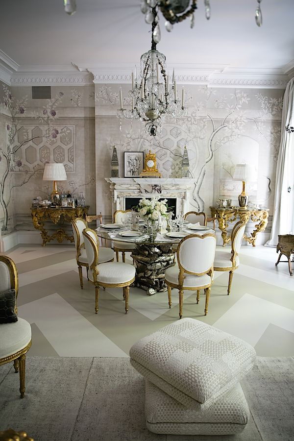 A look at Alex Papachristidis' glorious Kips Bay Show House dining room.