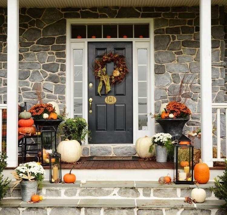 k rbisse metall laternen und chrysanthemen in orange und wei herbst herbst herbst. Black Bedroom Furniture Sets. Home Design Ideas
