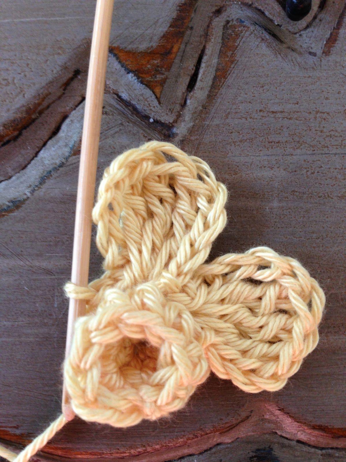 Annoo's Crochet World: Spring Daffodil Granny Free Pattern