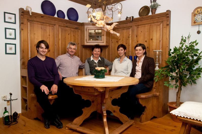 Über uns - 30 Jahre Gröbner Landhausmöbel - Gröbner Landhausmöbel ...
