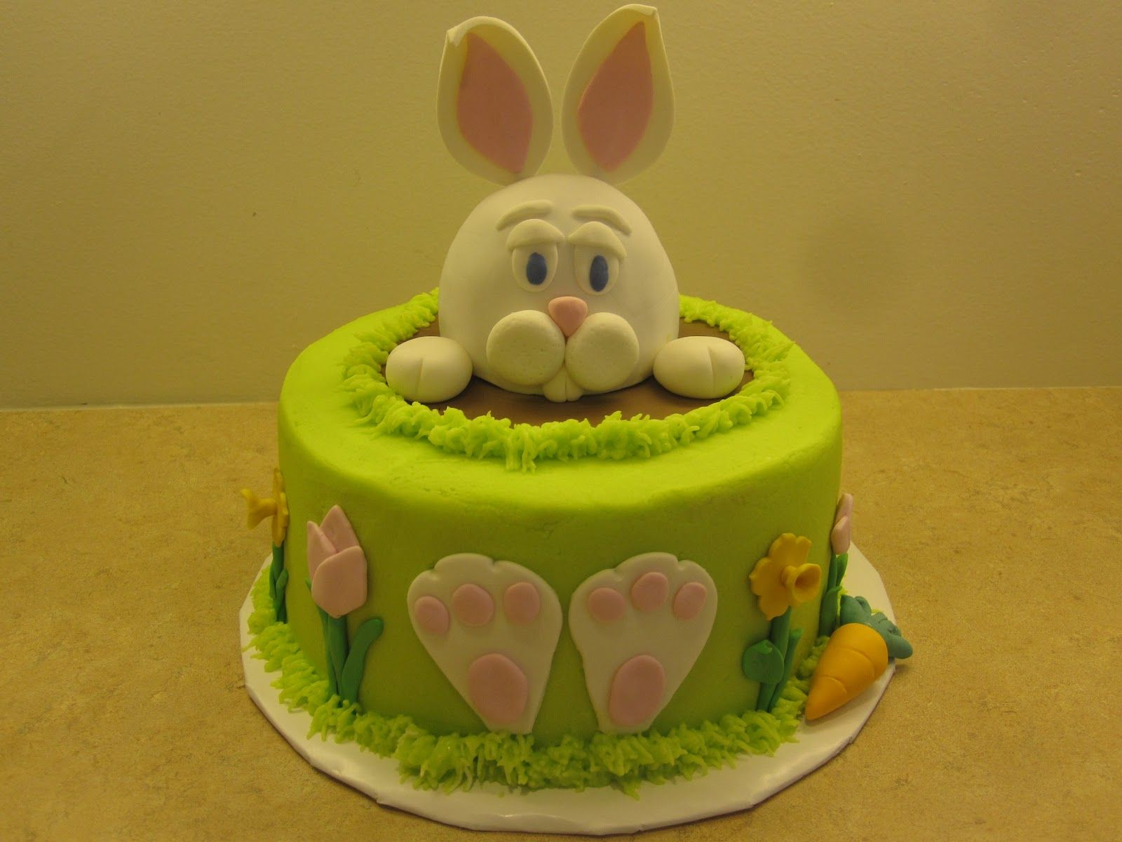 rabbit cake | ... bunny cake base cake is are 8 inch round cakes ...