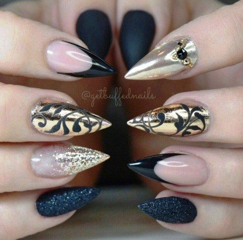33 Gorgeous Black Nail Arts & Designs – Page 37 of 40