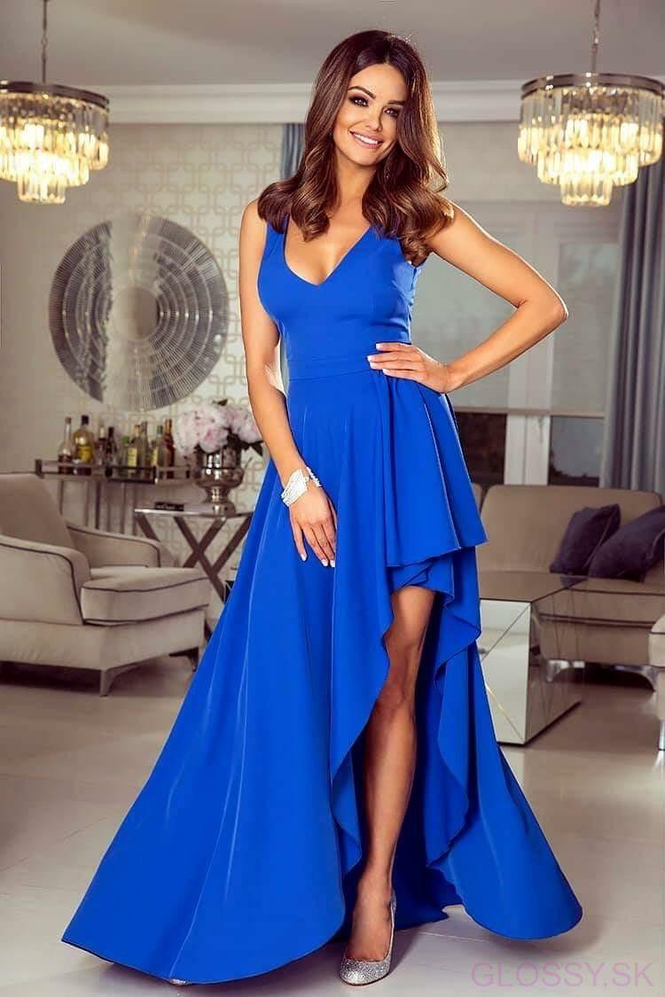 39280c1b5f2c Asymetrické šaty Inezz krásne odhalia vaše nohy. Šaty majú V-éčkový výstrih  a zapínajú