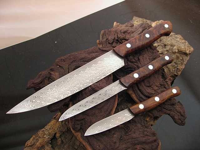 Handgefertigte Messer und Schwerter aus Meisterhand