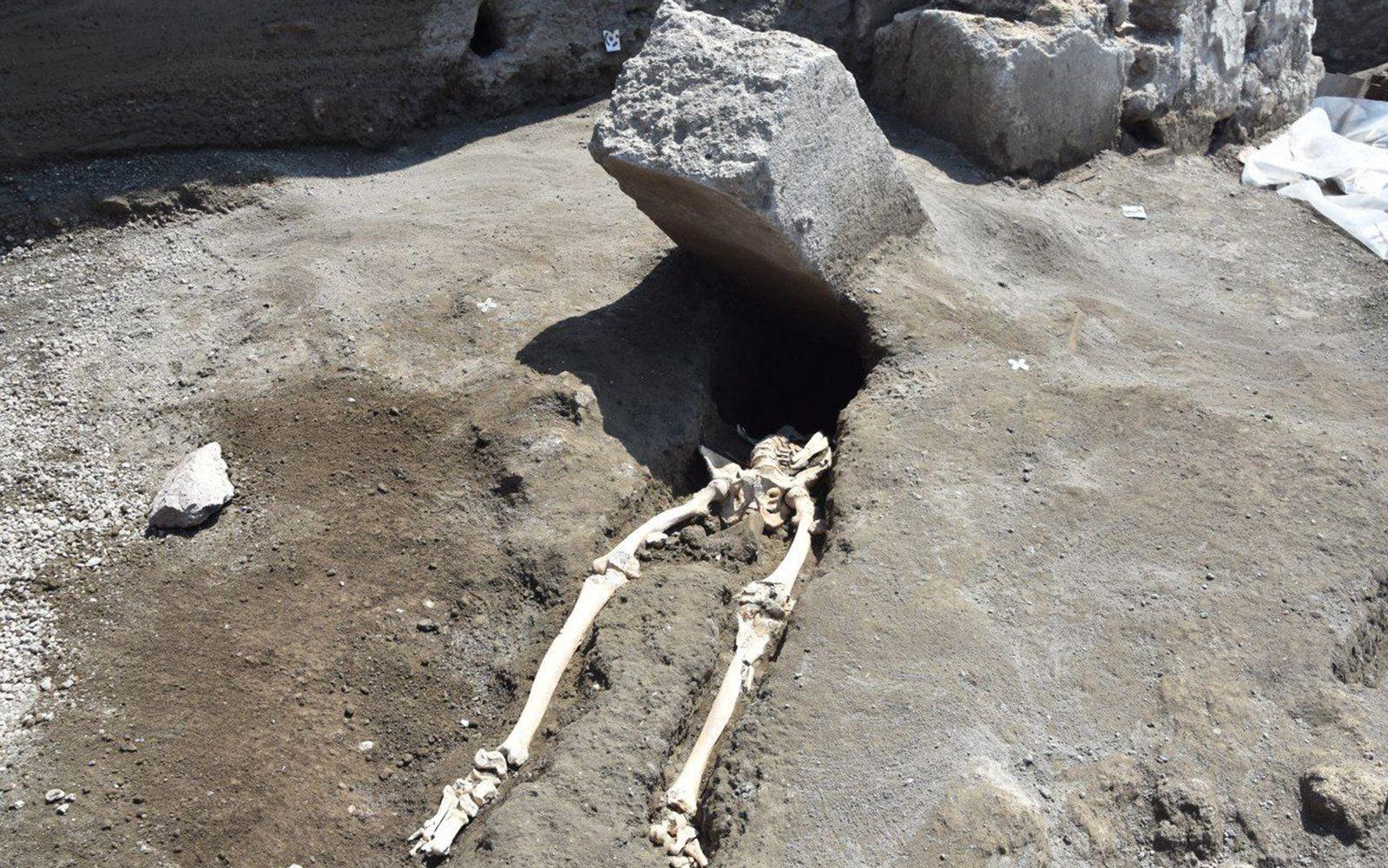 Pompeii Man Had A Really Really Bad Day 2 000 Years Ago Pompeii