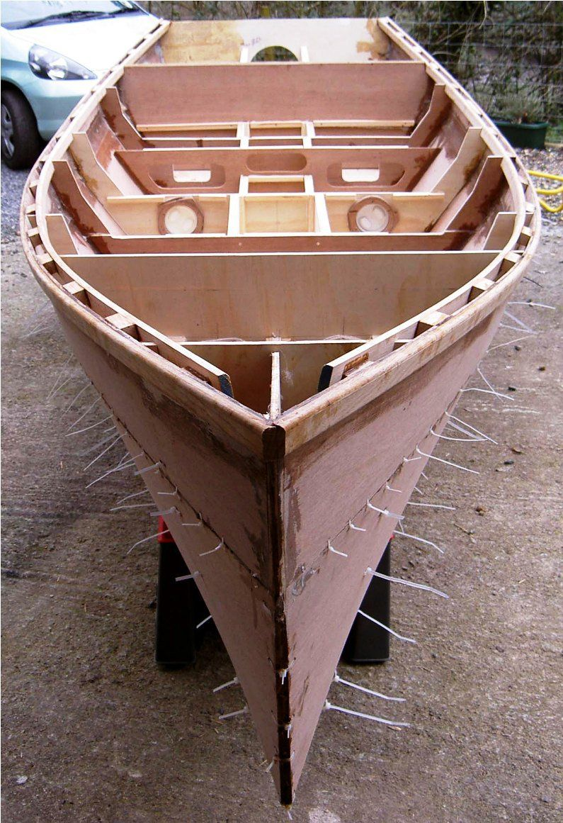 Brian King's plywood boat Barton skiff in build from free ...