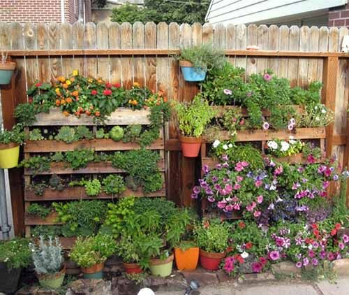 Beautiful Vertical Garden Ideas: 12 Smart Vertical Garden Made From Wooden Pallets