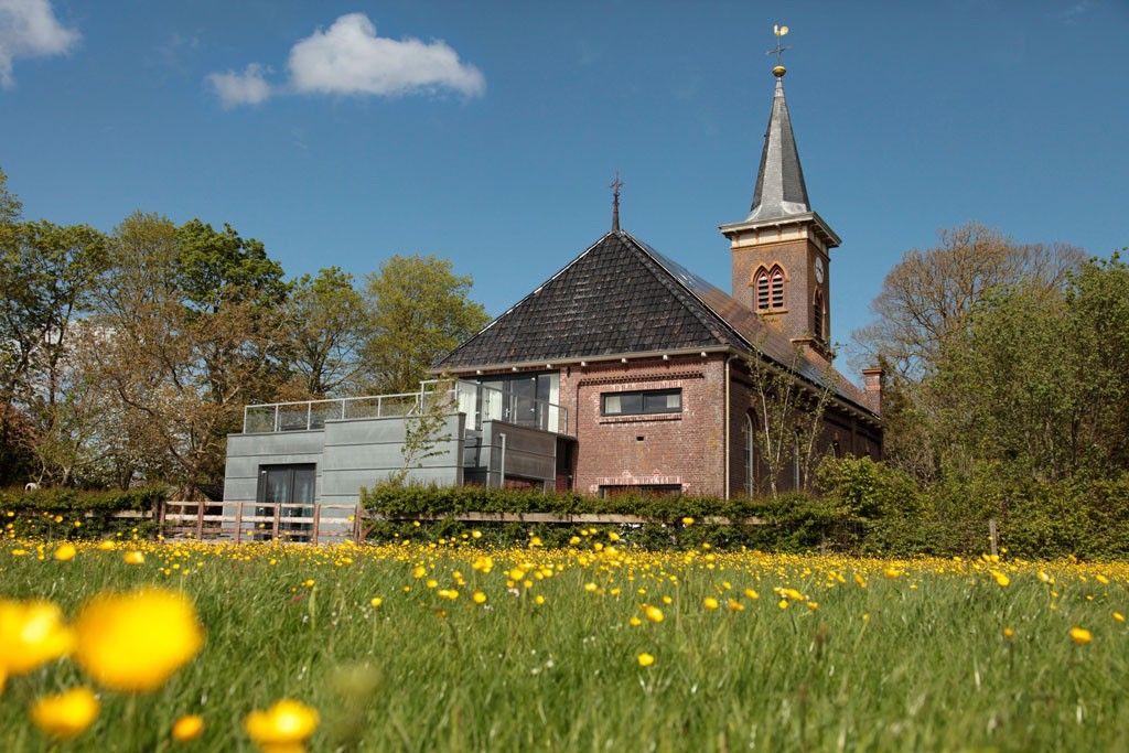 Slapen in een Kerk. Rust in hartje Fryslân