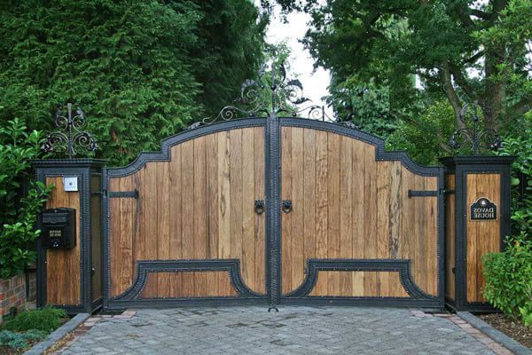 Driveway Gate With Metal Design Black Color Iron Gate Double Swing