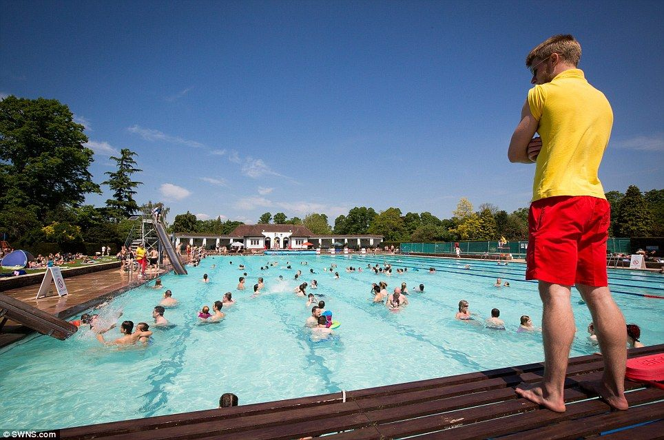 Sandford parks lido cheltenham sandford parks lido cheltenham pinterest park swimming for Swimming pools near gloucester