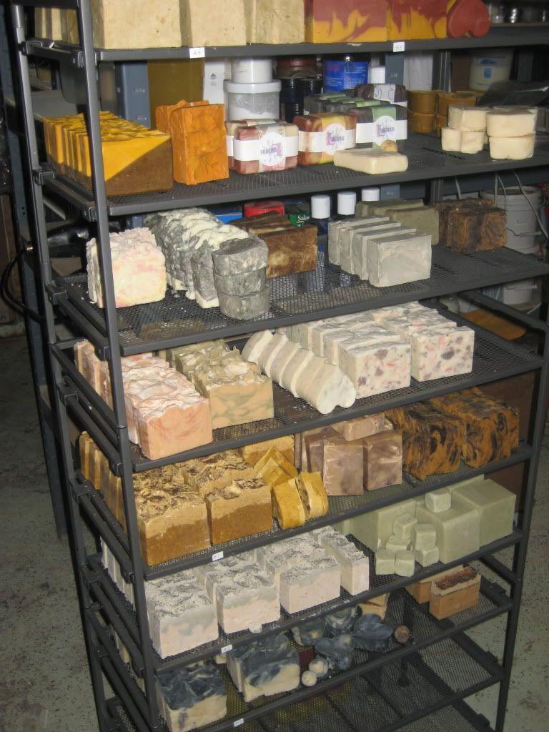 soap drying rack soap savon fait maison savon glyc rin et savon maison. Black Bedroom Furniture Sets. Home Design Ideas