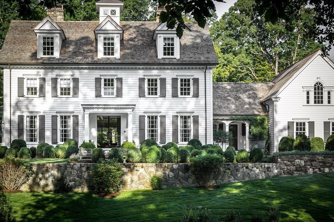 Builders Of Insta On Instagram If You Could Would You Love To Live Here Absolutel With Images Traditional Home Exteriors Colonial House Exteriors Colonial Exterior