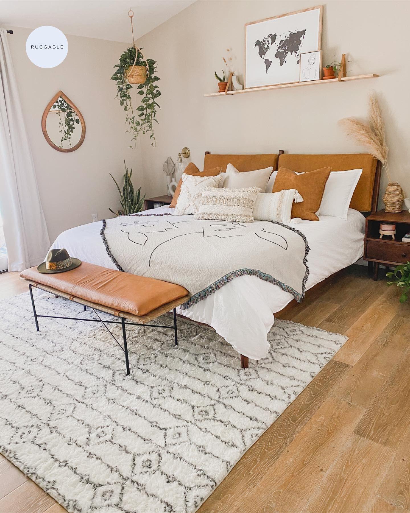 Plush Moroccan Ornate Rug In 2020 Bedroom Interior Room Ideas Bedroom Bedroom Makeover