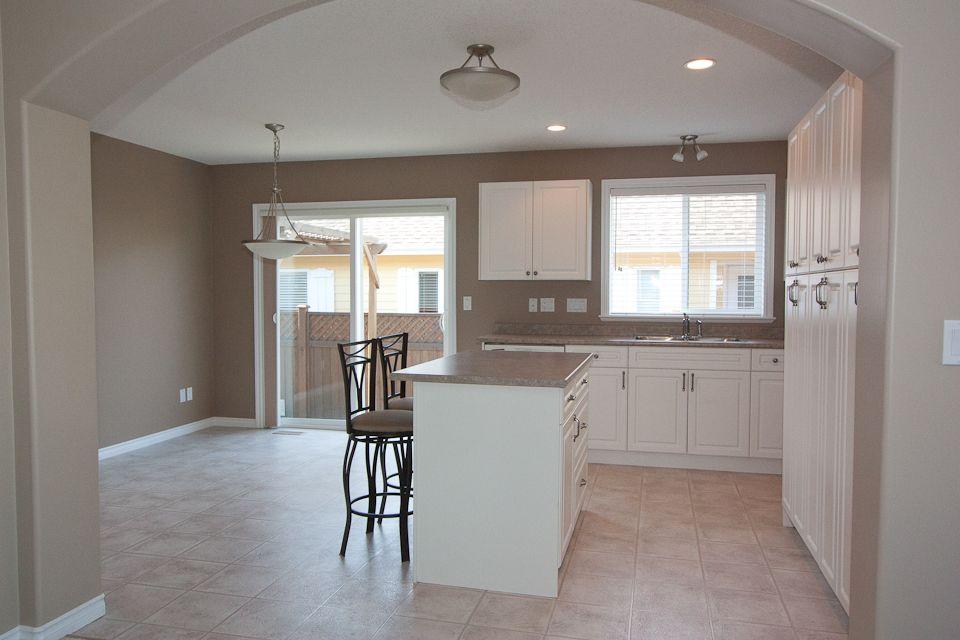 mocha kitchen paint - Google Search | Taupe kitchen, Taupe ...