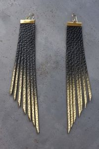 "Photo of Daly Bird – ""Carmin""  Gold to Black"