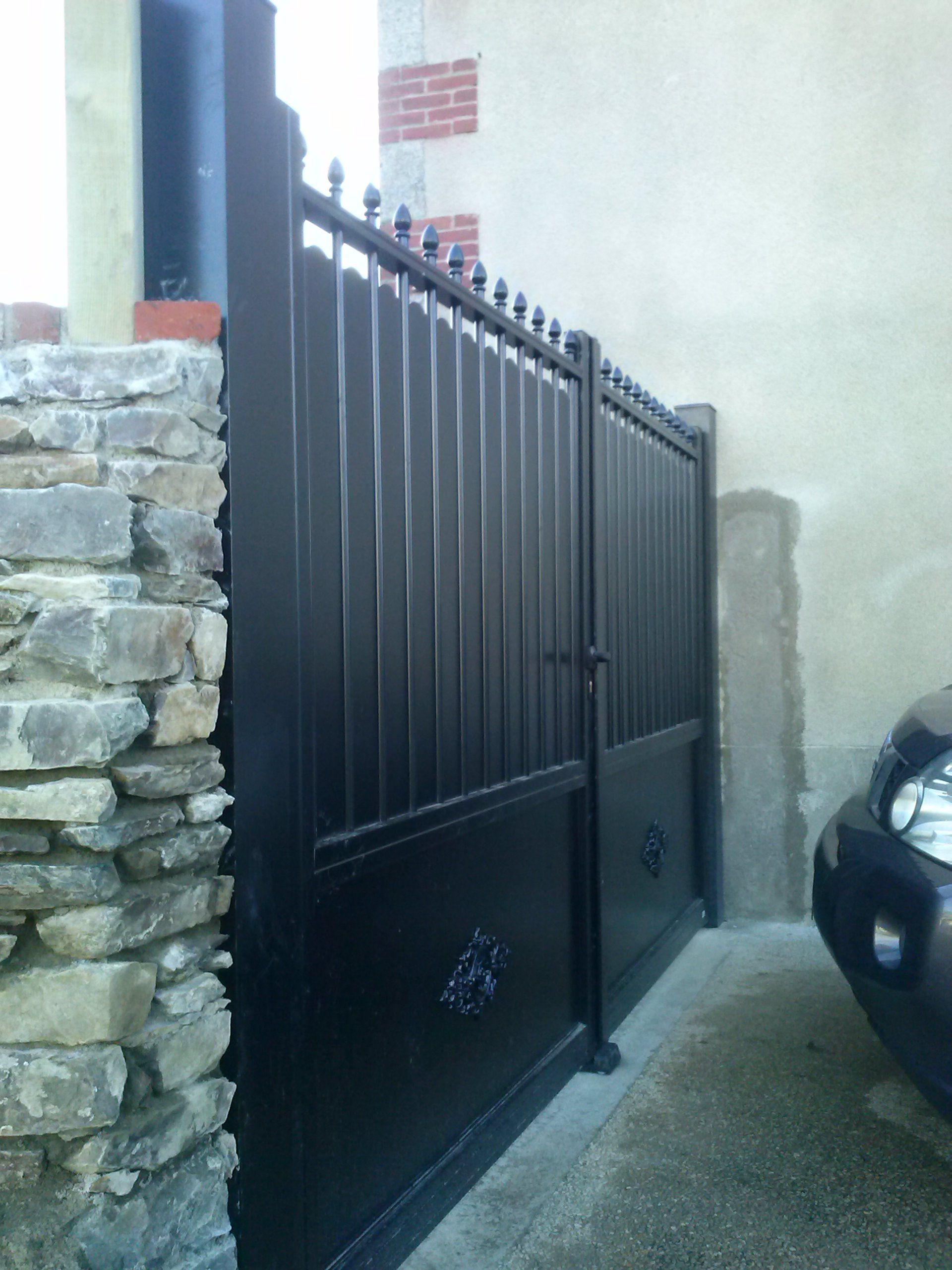 Cloture Bois Hauteur 2M50 portail aluminium noir aspect fer forgé et plein hauteur 2m