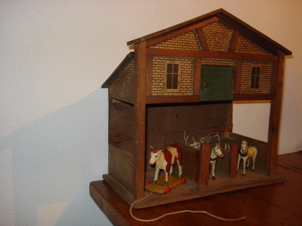 ≥ Antieke houten stal met beesten Antiek   Speelgoed