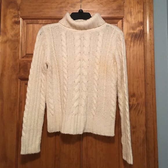 Tommy Hilfiger Cream Cable Knit Sweater SZ small | Cable, Tommy ...