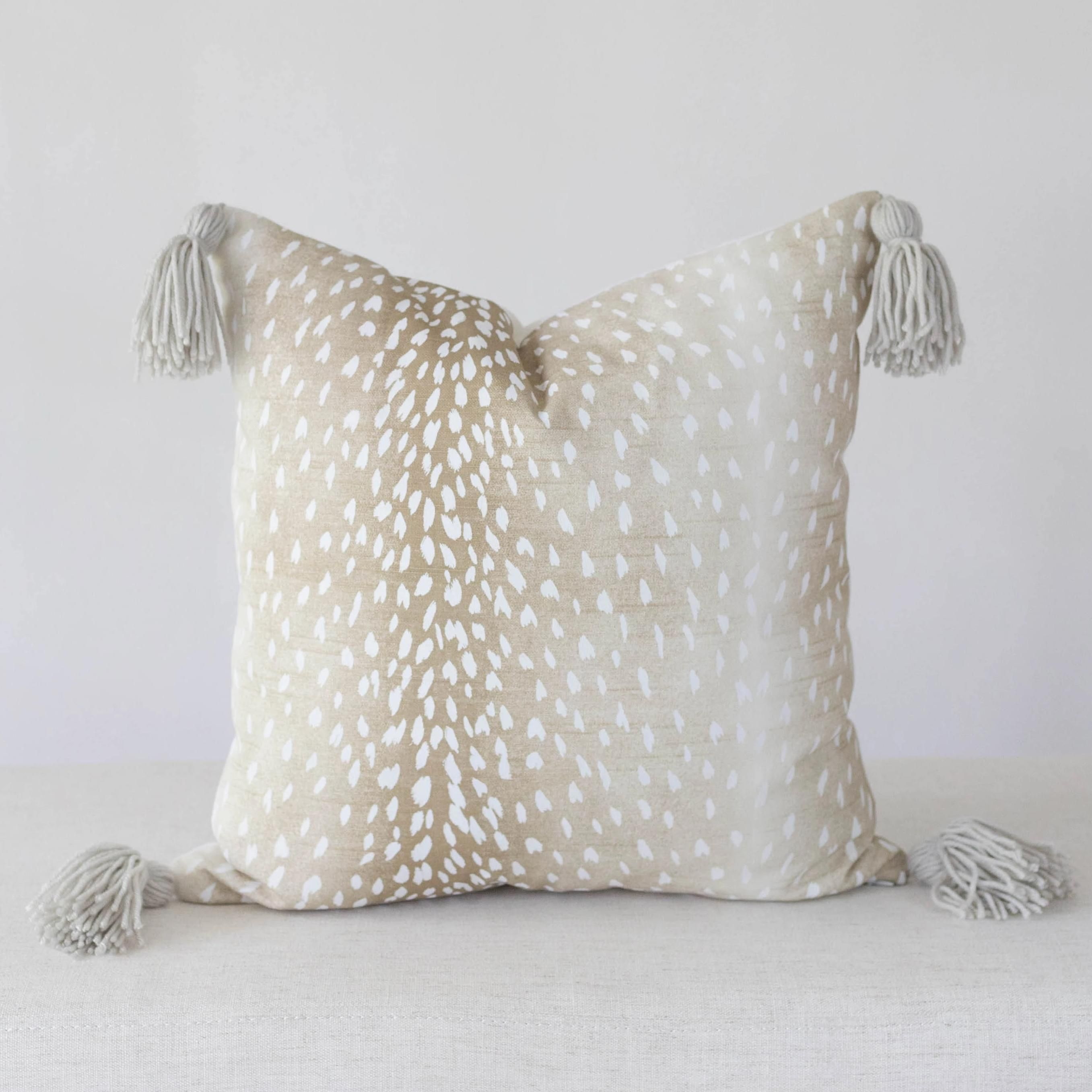 Antelope Pillow Cover With Tassels In 2020 Pillows Pillow Covers Antelope Rug