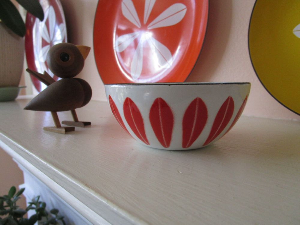 "Cathrineholm True Red on White Enamelware Lotus Bowl 4"" 10 Cm 