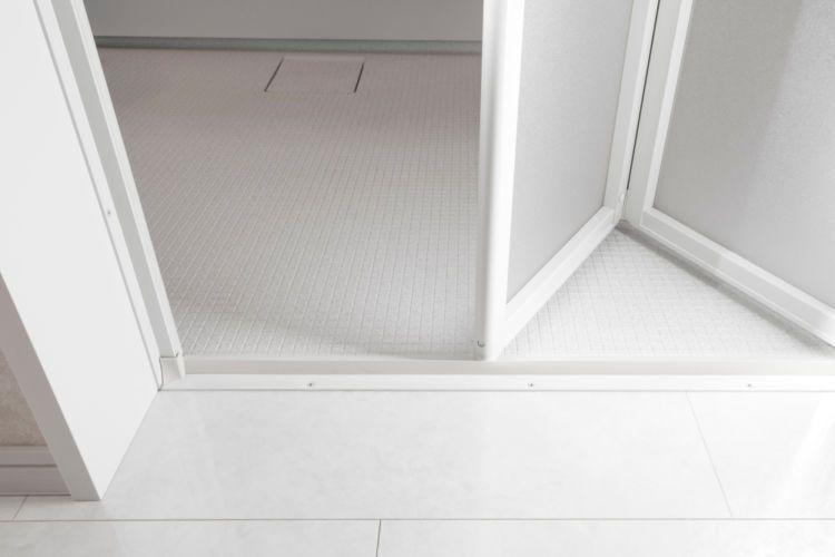 浴槽や壁の汚ればかり気にしていませんか 壁同様 厄介な水垢や