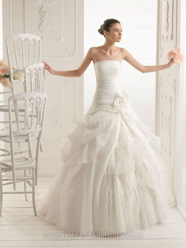 BallGown Strapless Organza Chapel Train White Flowers Wedding Dress