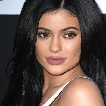 See What It Looks Like When Kylie Jenner's Makeup Artist Glams Up Khloe Kardashian: Lipstick.com