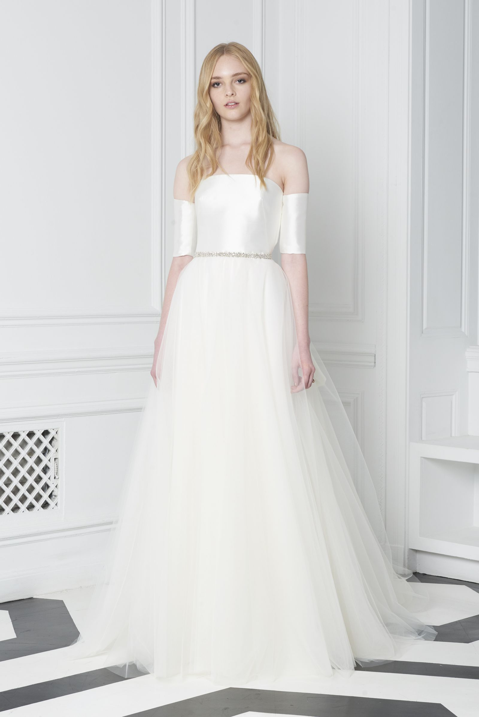 25 Simple Wedding Dresses From Fall 2018 Bridal Week   Monique ...
