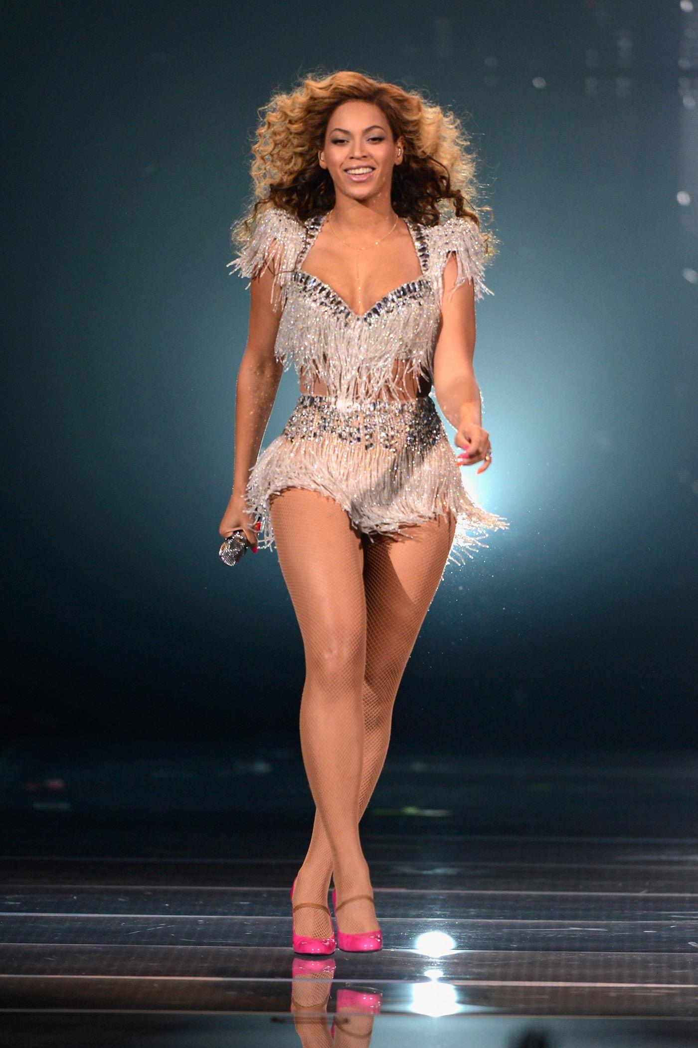 2a8dc14d9e55 Beyonce Live   Revel