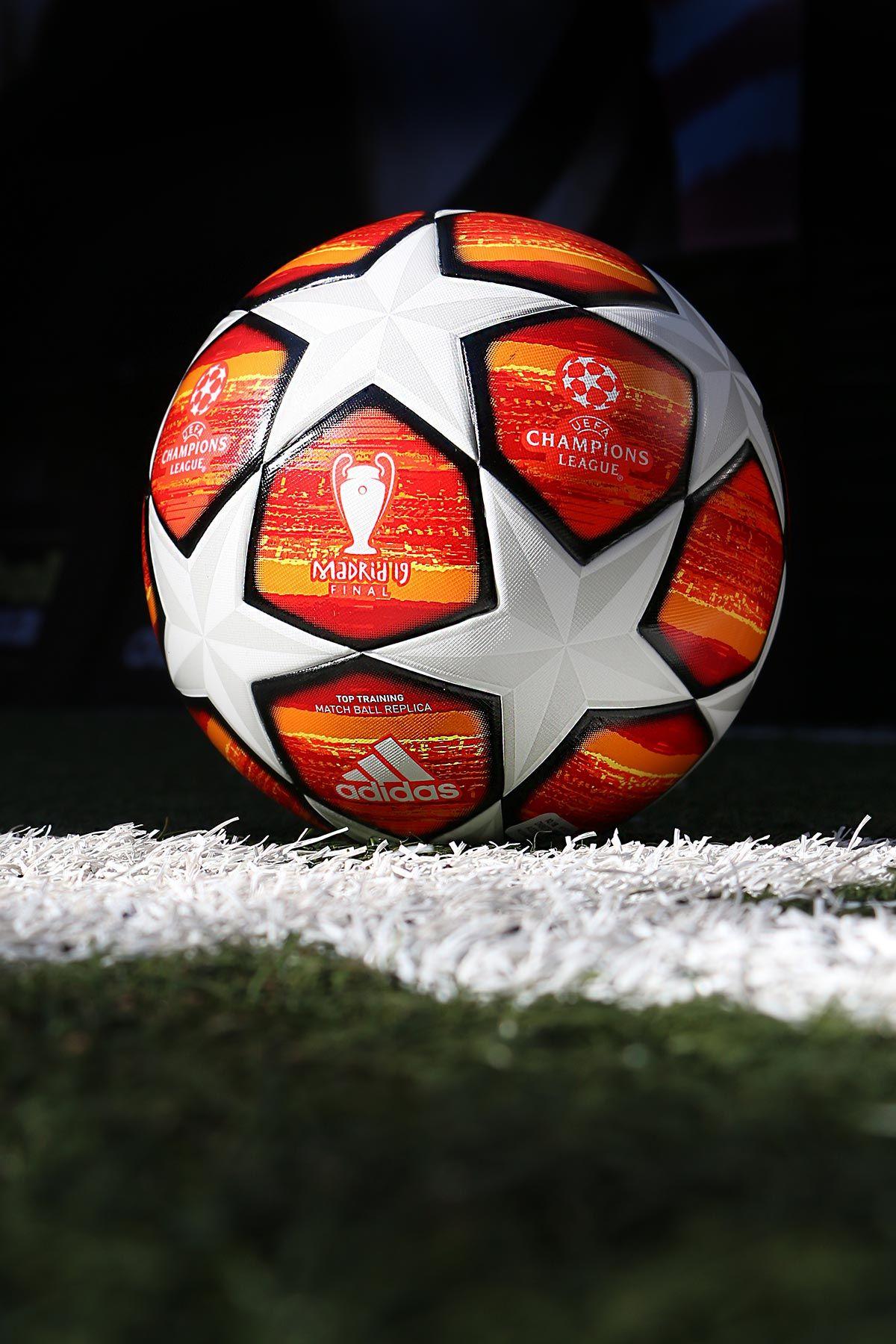 Balón de fútbol adidas Oficial de la Final de la UEFA Champions League 21faa2eb31a95