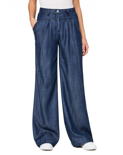 c97310b1b0 Palazzo jeans in 100% lyocell chambray. Featuring a high waist with ...