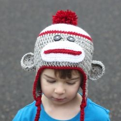A fun winter hat or great gift! Crochet Sock Monkey Hat pattern is  available for FREE in newborn-adult sizes! 5d89d1aaea4