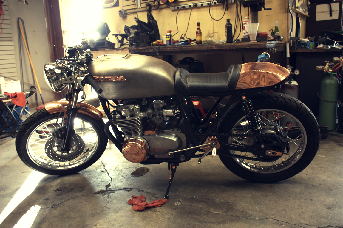 Copper And Raw Steel Wrapped Around A Honda CB550 Motor The Cafe Is CopperCafe Racer SeatCafe