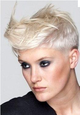 Taglio capelli corti donne 2013