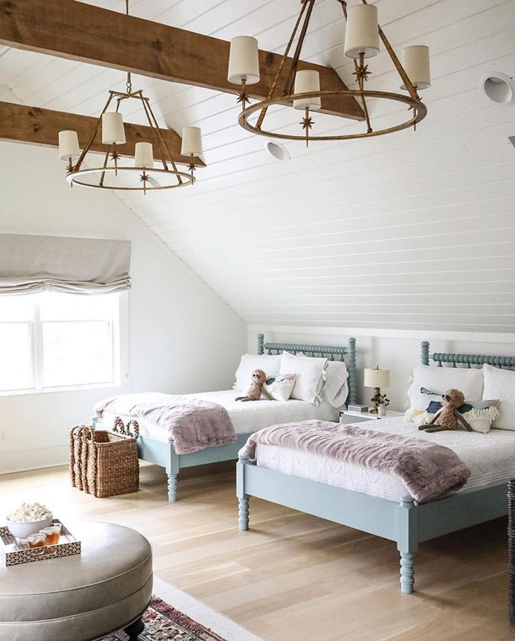 How gorgeous is this children\'s bedroom 😍. The ceiling ...