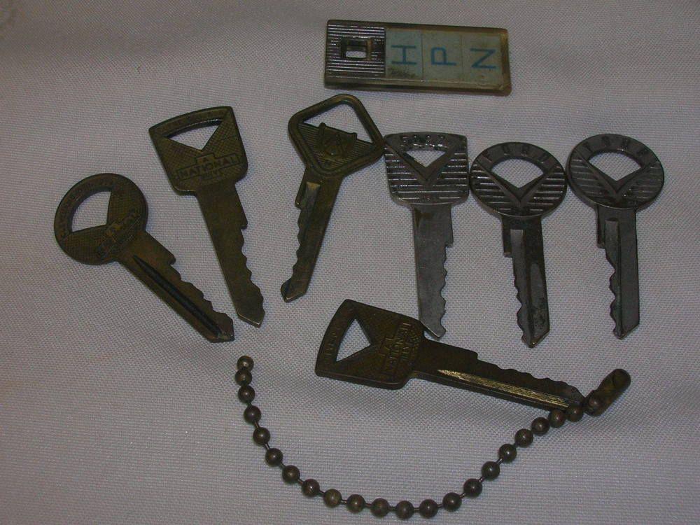 Vintage 1940 50s Lot Of 7 Keys Ford Motor Co National Key