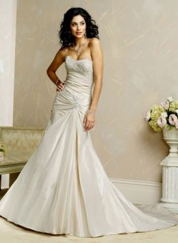 Maggie Sottero Coco Wedding Dress 75% off retail. This is so cool looking.